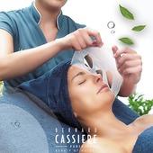 Pour changer d'humeur, je vais chez mon esthéticienne ! Et vous ? Seule son expertise combinée à nos produits experts savent raviver le teint comme jamais. Laissez nous vos témoignages en commentaires ❤️ • To change my mind, I book a treatment at my favorite beauty salon ! . . . #bernardcassiere #bcparis #skincare #beautybynature #mango #mangue #fruits #bodymassage #relax #massage #naturalbeauty #spa #beautysalon #healthybeauty #beauty #instabeauty #institut #madeinfrance #estheticienne #enjoy #potd #frenchcosmetics #chilling #treatment #perfectskin #biocellulose #soinvisage #mask #facemask